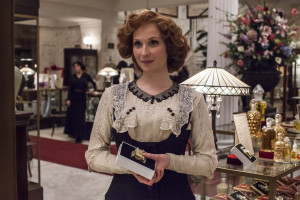 MR_SELFRIDGE_SERIES2_EP1_105