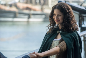Catriona Balfe as Claire Fraser in season 2 episode 1 of Outlander