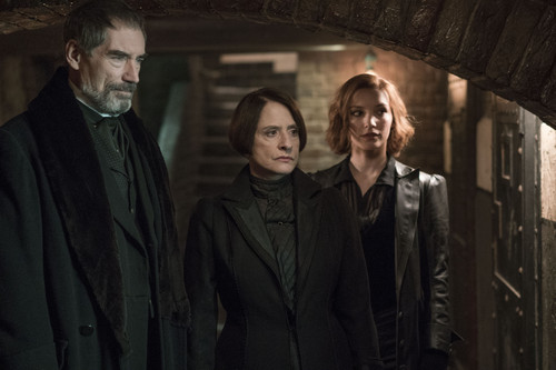 Penny-Dreadful-Perpetual-Night-3x08-promotional-picture-penny-dreadful-39713396-500-333