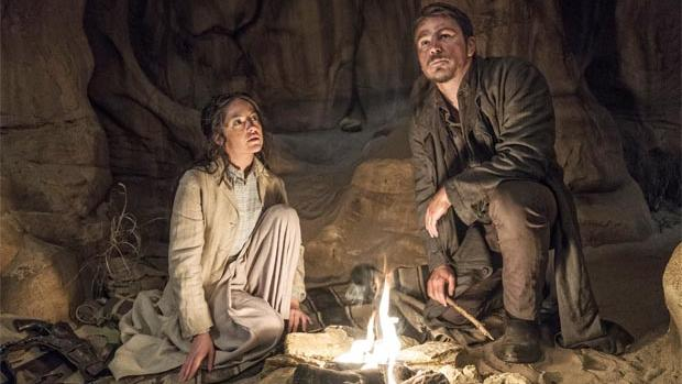 Ethan and Hecate camp in the desert in episode 5 of season 3 of Penny Dreadful